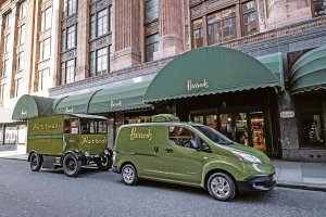 All-electric Nissan e-NV200 revolutionises iconic Harrods delivery fleet Bild: Nissan