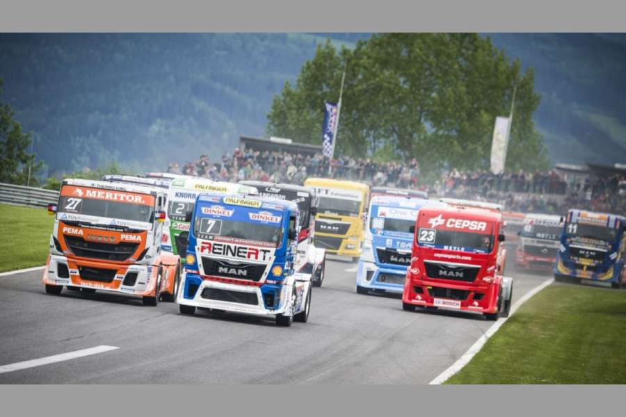 Action am REd Bull Ring in der Saison 2015. Foto: Philip Platzer Red Bull Content Pool