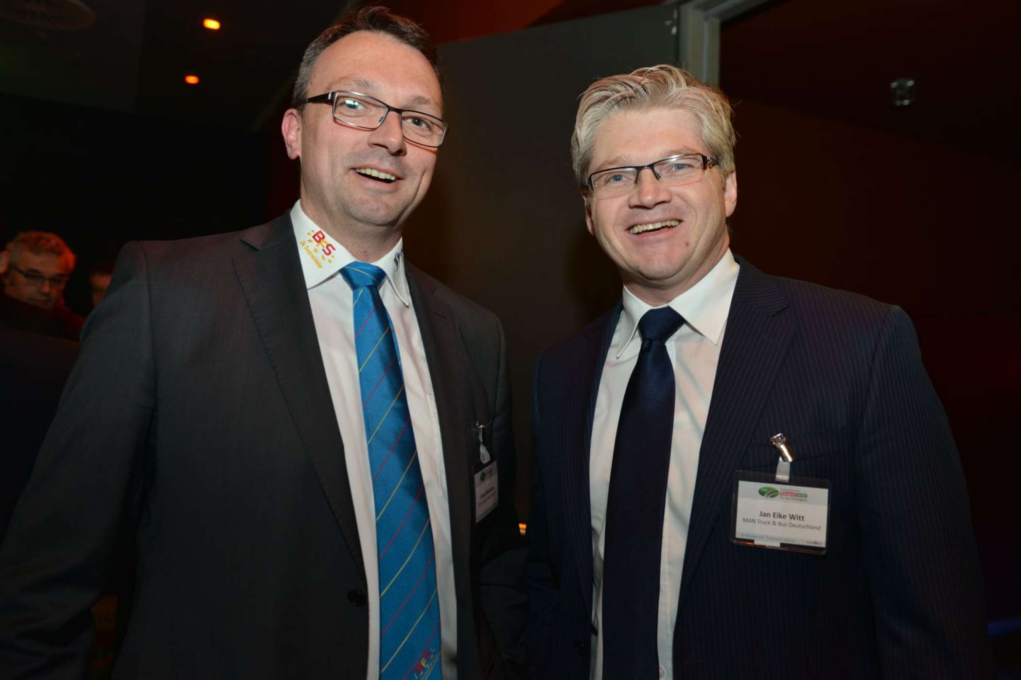Frank Neumann (li.), BFS Business Fleet Services, und Jan Eike Witt, MAN Truck & BusHUSS-VERLAG